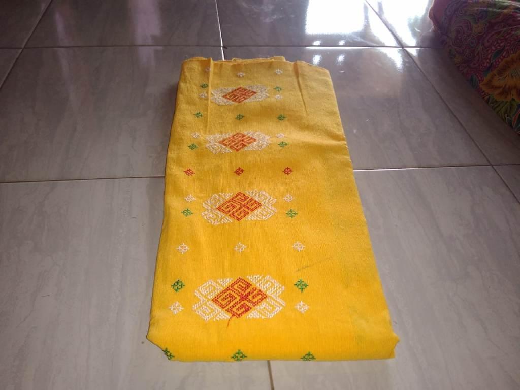 kain tenun ikat berasal daerah